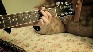 Música: Eu amo, amo da Manu Gavassi.