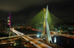 Ponte Estaiada.