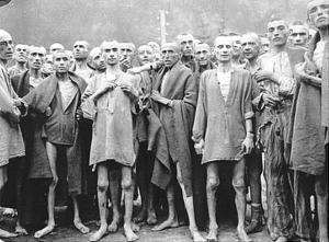 Pacientes com Tifo, em campos de concentração.