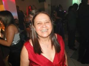 D. Neuza, mãe da nossa colunista Ellen Fialho.