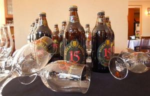 Baden-Baden-lança-cerveja-comemorativa-de-15-anos-com-lúpulo-brasileiro
