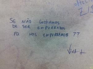 Questionamento no Metrô Ana Rosa.